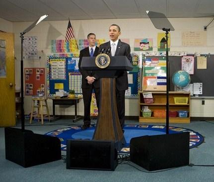 Obama Visits Elementary School